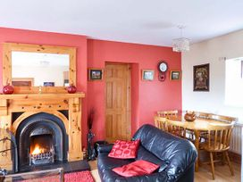 Cooley Cottage - County Donegal - 943611 - thumbnail photo 4