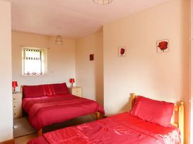 Cooley Cottage - County Donegal - 943611 - thumbnail photo 9