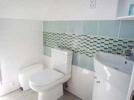 Willow Cottage - Kent & Sussex - 943713 - thumbnail photo 17