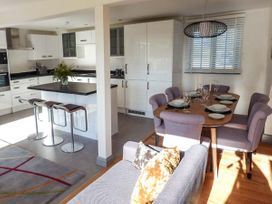 Willow Cottage - Kent & Sussex - 943713 - thumbnail photo 8