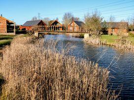 The Purple Piranha - Lincolnshire - 944831 - thumbnail photo 37