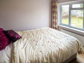 10 St. Nicholas Crescent - South Wales - 945422 - thumbnail photo 7