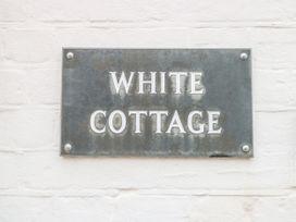 White Cottage - Norfolk - 945584 - thumbnail photo 2