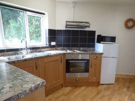 Spring Garden Cottage - South Wales - 945899 - thumbnail photo 7