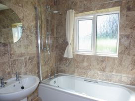 Spring Garden Cottage - South Wales - 945899 - thumbnail photo 12