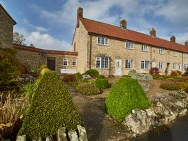Ivy Cottage - Whitby & North Yorkshire - 947064 - thumbnail photo 1