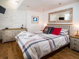 The Captain's Penthouse - North Wales - 947143 - thumbnail photo 23