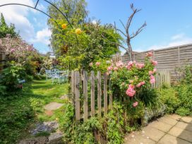 Wee Cot - Isle of Wight & Hampshire - 947338 - thumbnail photo 17