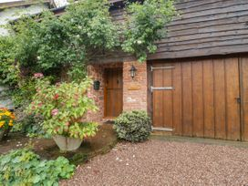 Flora's Barn - Somerset & Wiltshire - 947351 - thumbnail photo 1