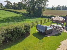 Brook Cottage - Cotswolds - 947444 - thumbnail photo 23