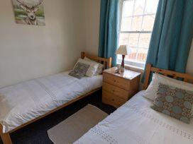 Apartment 1 Sneaton Hall - Whitby & North Yorkshire - 947678 - thumbnail photo 5