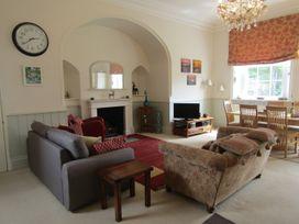 Apartment 1 Sneaton Hall - Whitby & North Yorkshire - 947678 - thumbnail photo 3
