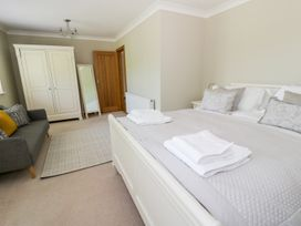Orchard Cottage - North Wales - 948025 - thumbnail photo 16