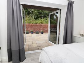 The Office Gardens, Apartment 1 - Whitby & North Yorkshire - 948080 - thumbnail photo 13