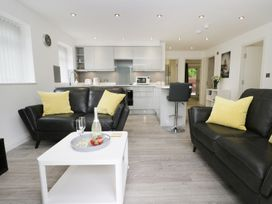 The Office Gardens, Apartment 1 - Whitby & North Yorkshire - 948080 - thumbnail photo 2