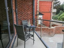The Office Gardens, Apartment 1 - Whitby & North Yorkshire - 948080 - thumbnail photo 4