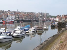 The Office Gardens, Apartment 2 - Whitby & North Yorkshire - 948088 - thumbnail photo 17
