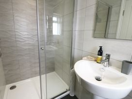 The Office Gardens, Apartment 3 - Whitby & North Yorkshire - 948092 - thumbnail photo 13