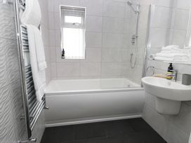 The Office Gardens, Apartment 3 - Whitby & North Yorkshire - 948092 - thumbnail photo 11