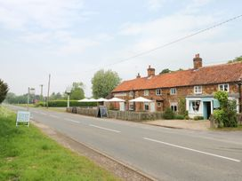 Hayfields - Norfolk - 948324 - thumbnail photo 21