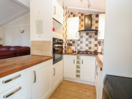 Beach Lodge - Suffolk & Essex - 948953 - thumbnail photo 8