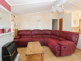 Beach Lodge - Suffolk & Essex - 948953 - thumbnail photo 3