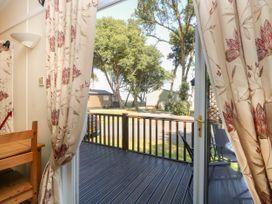 Beach Lodge - Suffolk & Essex - 948953 - thumbnail photo 5