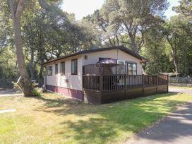 Beach Lodge - Suffolk & Essex - 948953 - thumbnail photo 1