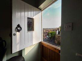 April Cottage - Cotswolds - 949028 - thumbnail photo 2