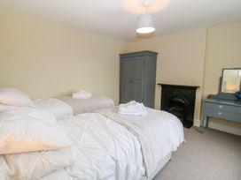 Glyn Ewryd - Anglesey - 949893 - thumbnail photo 18