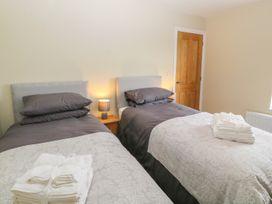 Glyn Ewryd - Anglesey - 949893 - thumbnail photo 21