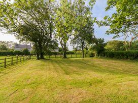 Glyn Ewryd - Anglesey - 949893 - thumbnail photo 39