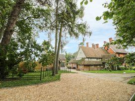 3 bedroom Cottage for rent in Bedford