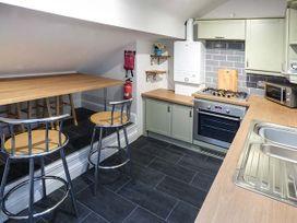 Flat 13 Sandringham Court - Peak District - 950208 - thumbnail photo 4
