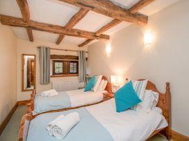 Riven Oak - Lake District - 950504 - thumbnail photo 23