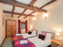 Riven Oak - Lake District - 950504 - thumbnail photo 25