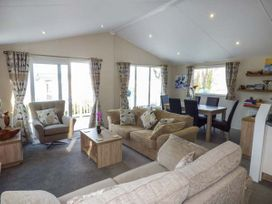 Clearview Lodge - Mid Wales - 950724 - thumbnail photo 3