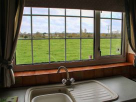 Meadow View - Lincolnshire - 950884 - thumbnail photo 6