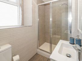 Apartment 56 - North Wales - 951023 - thumbnail photo 18