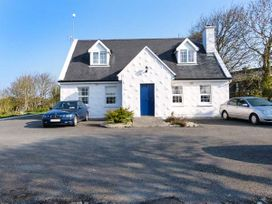 No.1 Apt, Brandy Harbour Cottage - Shancroagh & County Galway - 951117 - thumbnail photo 1