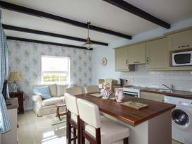No.1 Apt, Brandy Harbour Cottage - Shancroagh & County Galway - 951117 - thumbnail photo 2