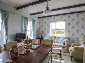 No.1 Apt, Brandy Harbour Cottage - Shancroagh & County Galway - 951117 - thumbnail photo 3