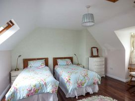 No.1 Apt, Brandy Harbour Cottage - Shancroagh & County Galway - 951117 - thumbnail photo 6