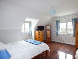 No.1 Apt, Brandy Harbour Cottage - Shancroagh & County Galway - 951117 - thumbnail photo 5