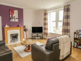Flat 2 - 9 Rhiw Bank Terrace - North Wales - 951157 - thumbnail photo 12