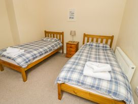 Flat 2 - 9 Rhiw Bank Terrace - North Wales - 951157 - thumbnail photo 16
