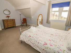 Flat 2 - 9 Rhiw Bank Terrace - North Wales - 951157 - thumbnail photo 19