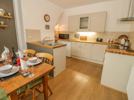 Flat 2 - 9 Rhiw Bank Terrace - North Wales - 951157 - thumbnail photo 7