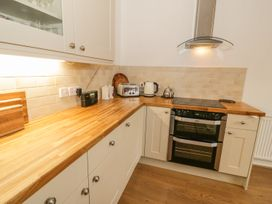 Flat 2 - 9 Rhiw Bank Terrace - North Wales - 951157 - thumbnail photo 5
