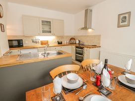 Flat 2 - 9 Rhiw Bank Terrace - North Wales - 951157 - thumbnail photo 8